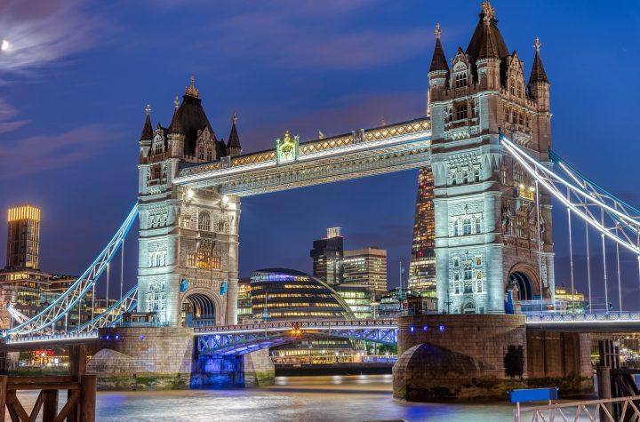 The illuminated Tower Bridge at night